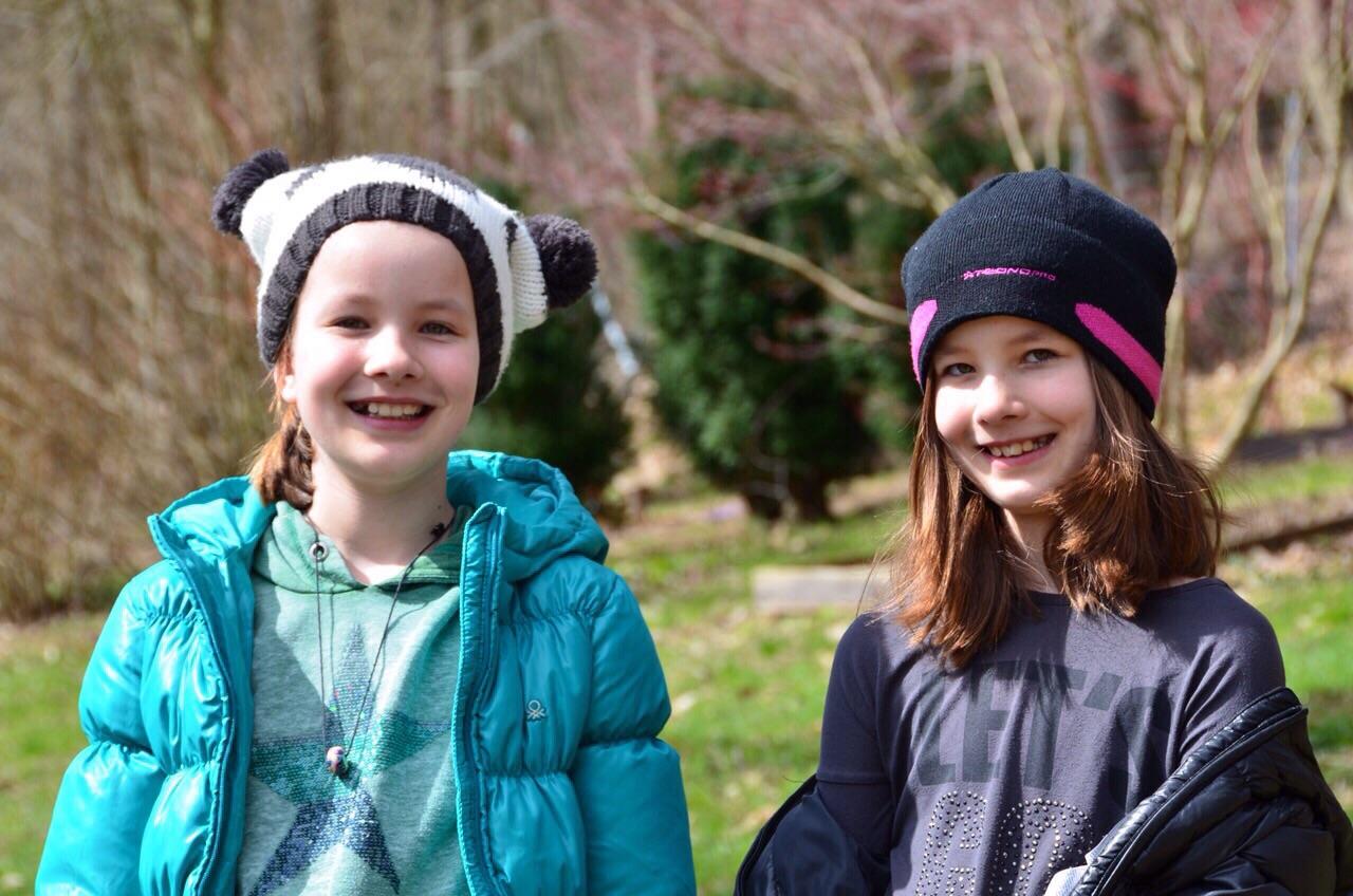 Viele viele Kinder halfen beim Ostereiersuchen